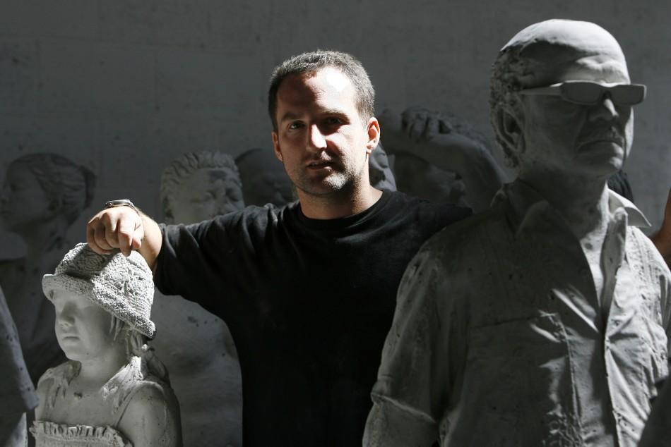 Автор подводного музея Джейсон Тейлор
