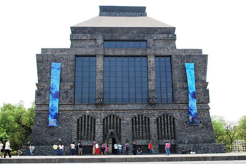 Анагуакалли музей в Мехико