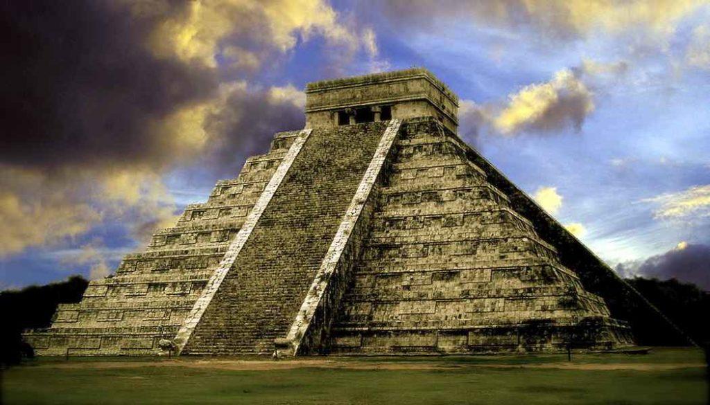 Пирамида Кукулькана Чичен Ица