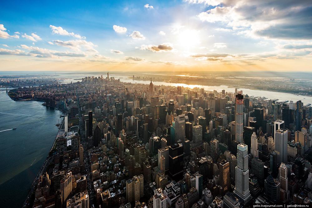Неплохим предложением станет авиаперелет за 27 часов компании ДжетБлу с остановкой в Нью-Йорке на 13 часов. Этого времени будет вполне достаточно на осмотр впечатляющих небоскребов, статуи Независимости и пары музеев.