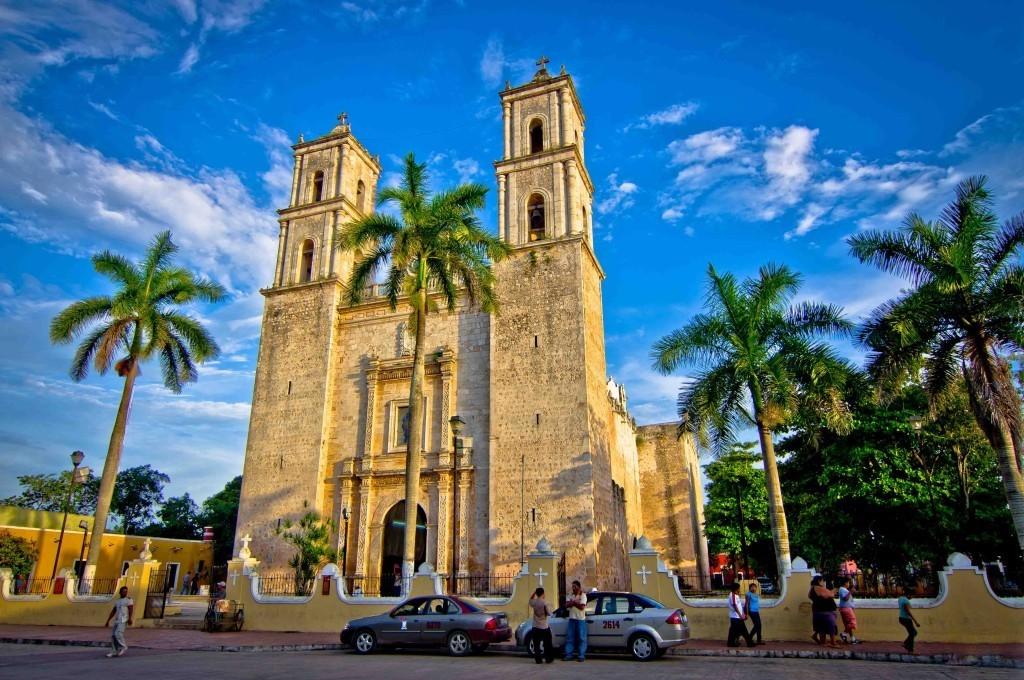 Католическая церковь, Вальядолид. Мексика