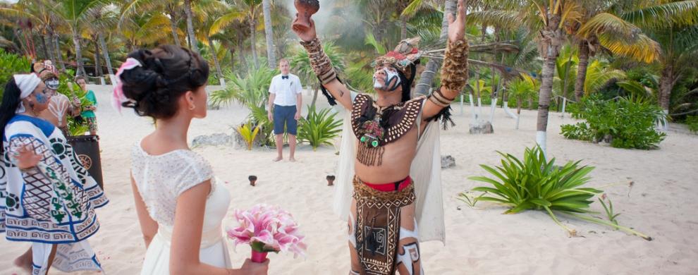 Торжественная церемония на берегу Карибского моря имеет ряд отличительных особенностей, в чем и состоит ее притягательность