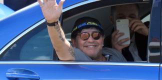 Марадона переехал жить и работать в Мексику