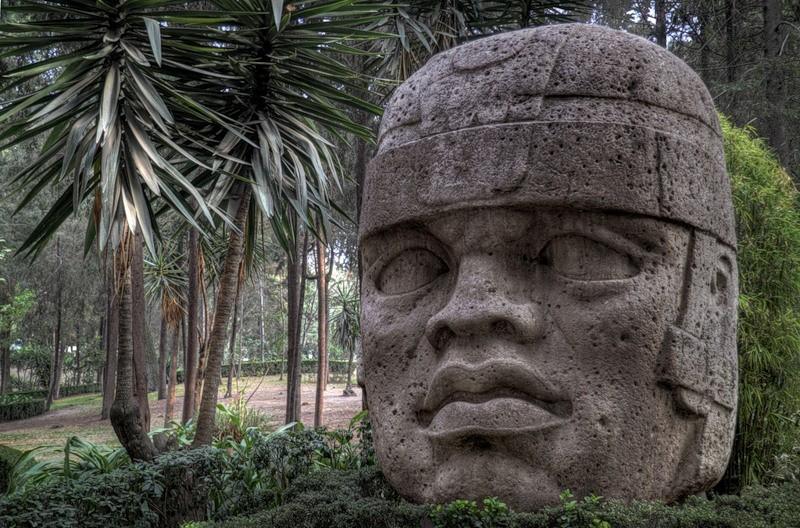 Каменная голова - символ альмеков