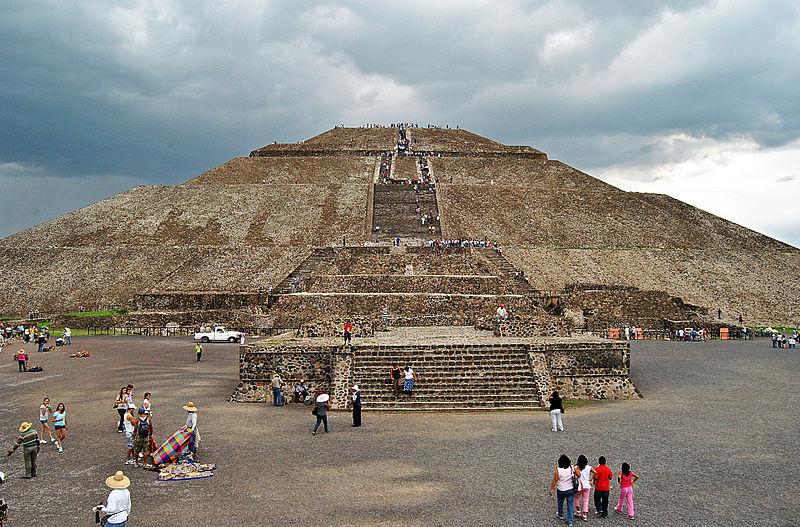 Пирамида Солнца в Теотиуакане