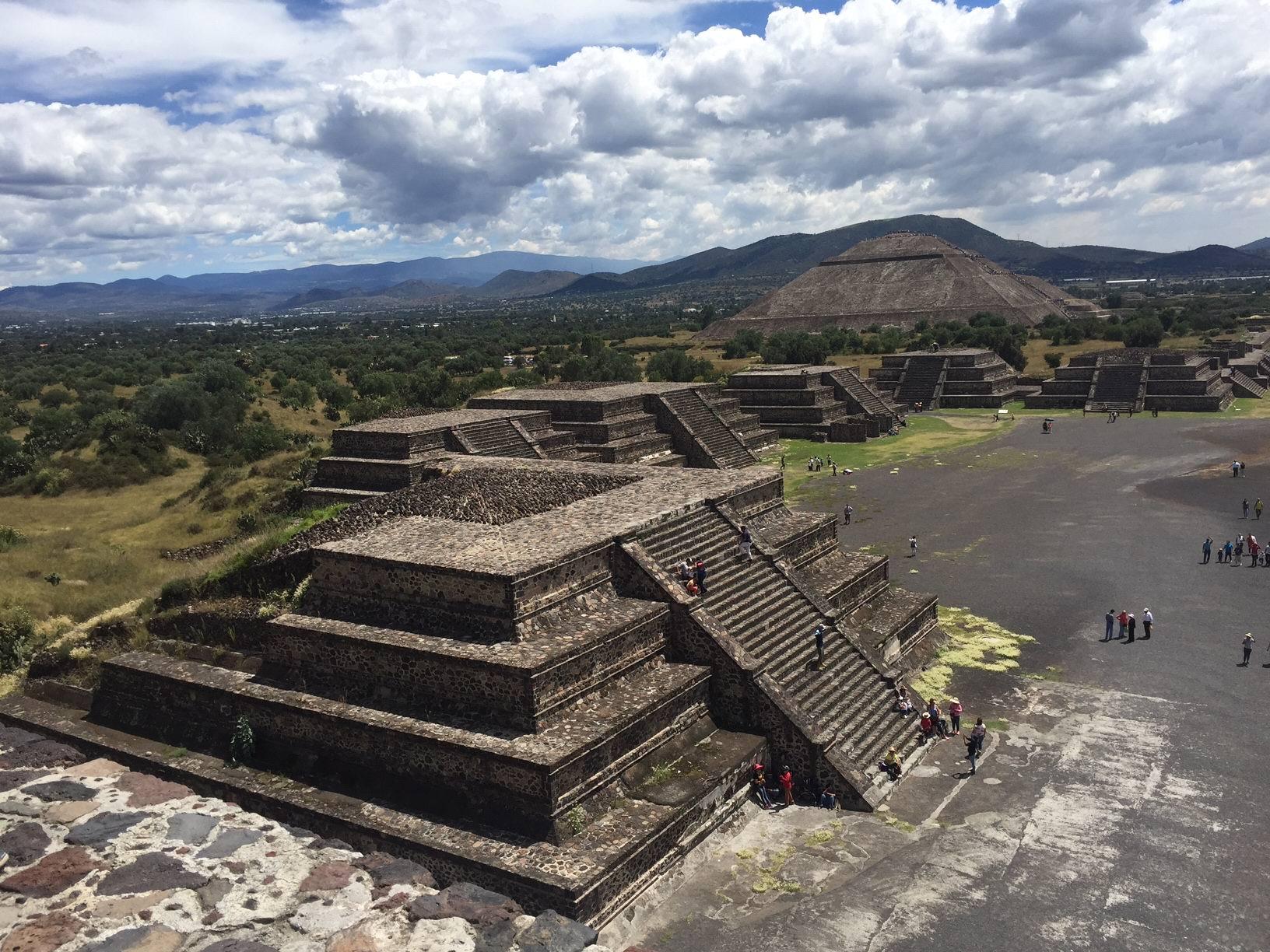 картинка фотография курорта Теотиуакан в Мексике