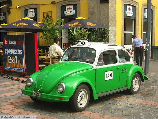 Знаменитое зеленое такси в Мехико